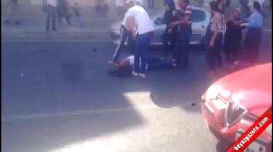Kadınlar trafikte araçlarından inip yol ortasında kavga etti!