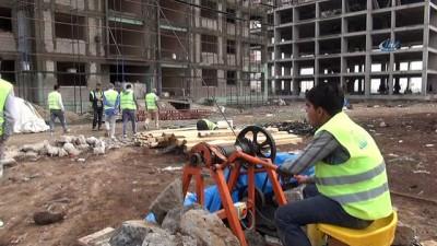 Kış mevsiminin sıcak geçmesi inşaatçılara yaradı İzle