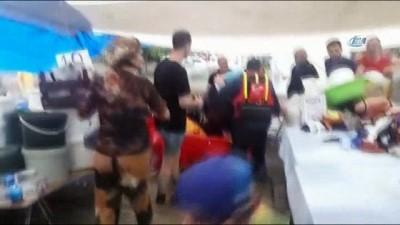 Başkent'te mahsur kalanlar bot ile kurtarıldı