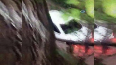 Çanakkale'de sel araçları yuttu