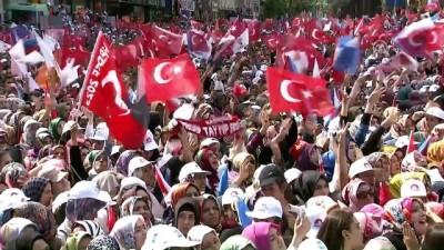 Cumhurbaşkanı Erdoğan: 'Tankların arasından sıvışanlardan devlet adamı olmaz' - KAHRAMANMARAŞ