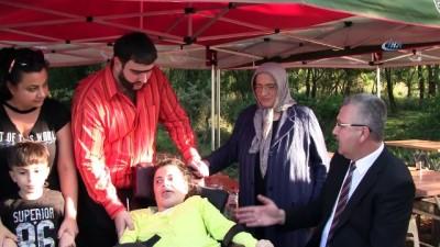 Recep İvedik, film setinde engelli hayranıyla buluştu