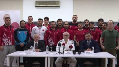 Prof. Dr. Bingür Sönmez'e, judoda siyah kuşak verildi - İSTANBUL