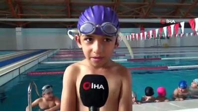 Siirt'te bin 320 öğrenci yüzme öğreniyor