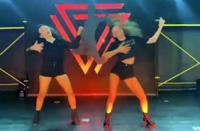 Afra Saraçoğlu K-Pop dansıyla sosyal medyayı salladı!